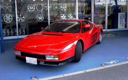 Ferrari-TESTAROSSA-01