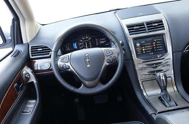 Lincoln Mark LT 2016 - wnętrze