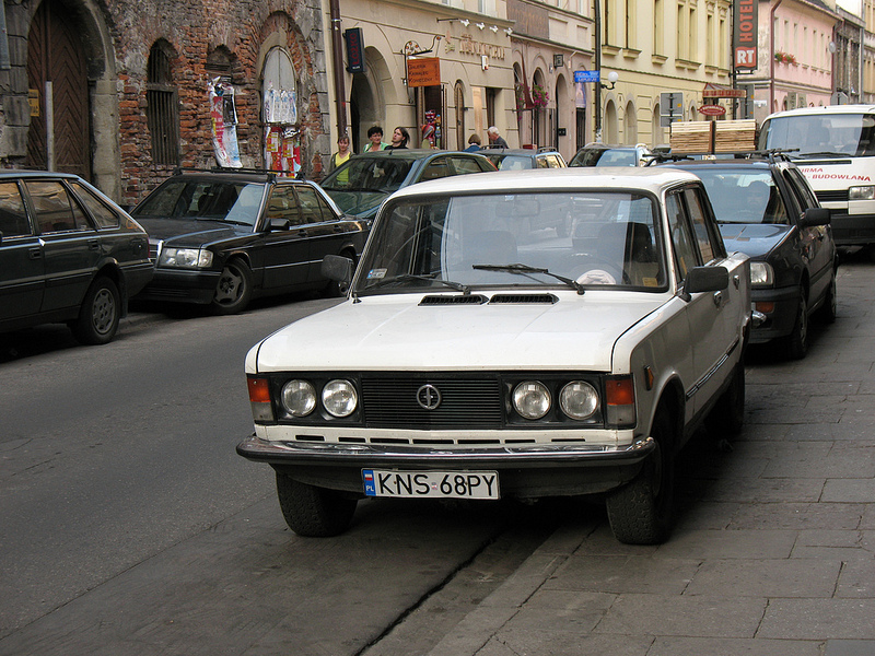 FIAT 125P Photo credit: photobeppus via Foter.com / CC BY-SA