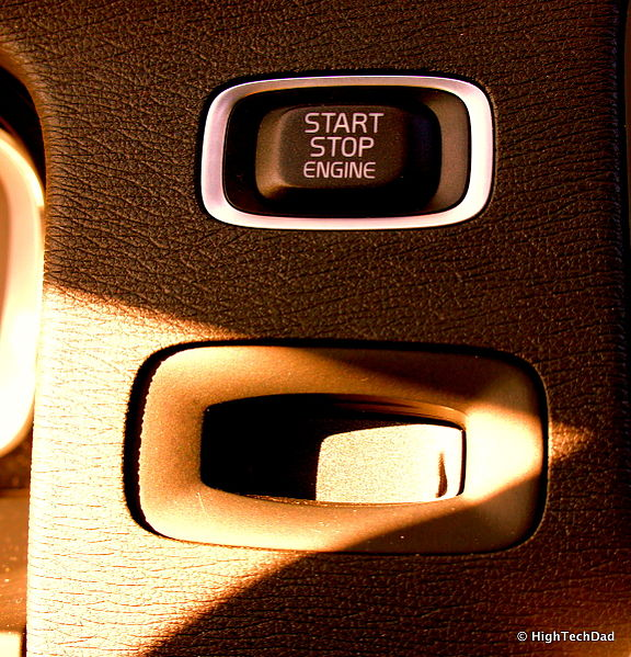 Autor: Michael Sheehan (Start/Stop Button - 2015.5 Volvo V60 T6 R-Design) [CC BY 2.0 (https://creativecommons.org/licenses/by/2.0)], Wikimedia Commons