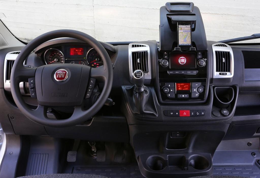 FIAT DUCATO III - miejsce pracy kierowcy  Źrodło: materiały prasowe FIAT