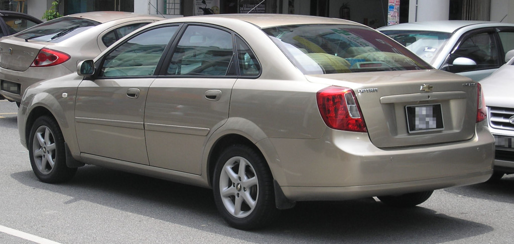 CHEVROLET LACETTI SEDAN By User:Two hundred percent. - Praca własna, CC BY-SA 3.0, https://commons.wikimedia.org/w/index.php?curid=2850958