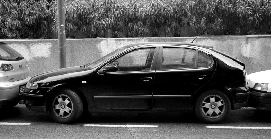 SEAT LEON I  By petter palander from malmö, sweden - spanish parking II, CC BY 2.0, httpss://commons.wikimedia.org/w/index.php?curid=15796290