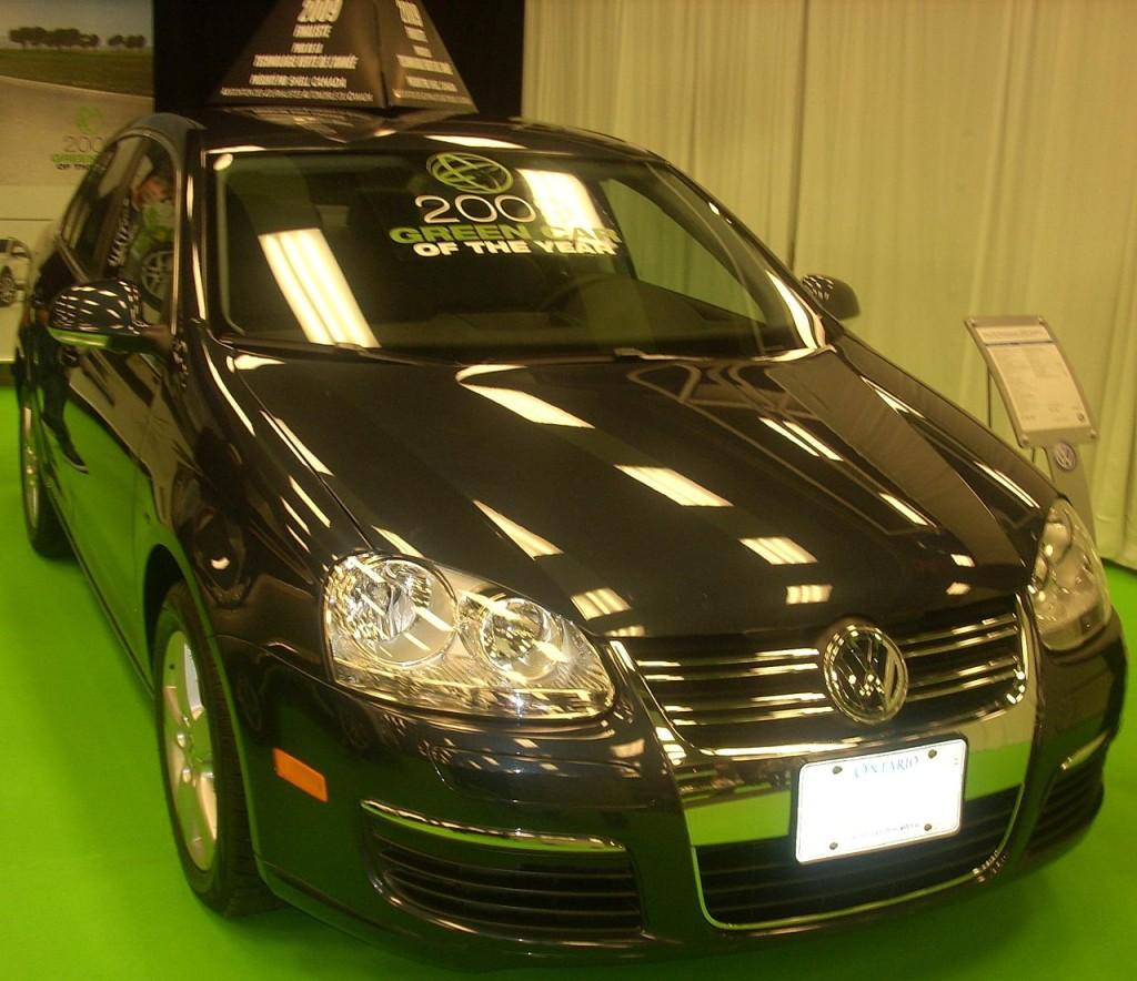 VW Jetta rocznik 2009 z silnikiem Diesla – Ekologiczny samochód roku, któremu odebrano nagrodę w 2015 roku.  Wikimedia Commons