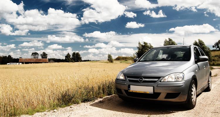 Woda w Opel Corsa C /  Motorewia.pl - autor Photo credit: Michał Sacharewicz via Foter.com / CC BY-NC-SA