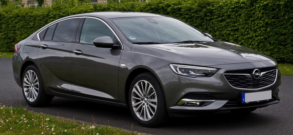 Opel Insignia II I Motorewia.pl  I By M 93, CC BY-SA 3.0 de, https://commons.wikimedia.org/w/index.php?curid=58525221
