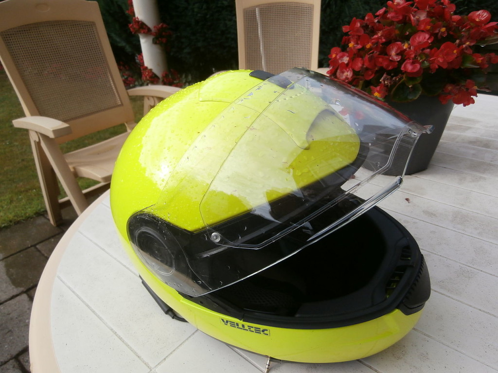 Kask motocyklowy I Motorewia.pl I Autor By Pierotreruote - Own work, CC BY-SA 3.0, https://commons.wikimedia.org/w/index.php?curid=33765334