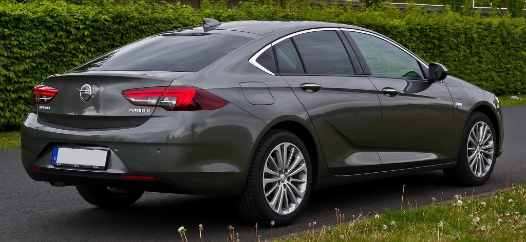 Opel Insignia I Motorewia.pl I Żródło By M 93, CC BY-SA 3.0 de, https://commons.wikimedia.org/w/index.php?curid=58525271