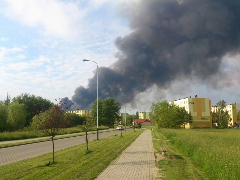 Pożar składowiska odpadów z tworzyw sztucznych w Zgierzu - materialy własne