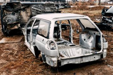 Złomowanie samochodów krok po kroku - http://www.motorewia.pl Źródlo Freepik.com