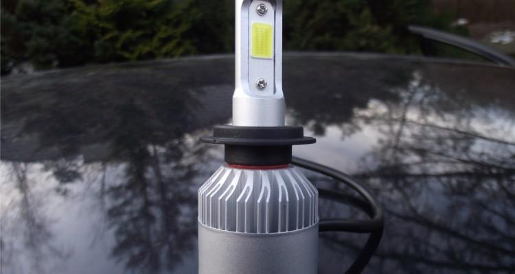 Retrofity LED - jak zamontować? Czy warto? http://www.motorewia.pl Michał Lisiak