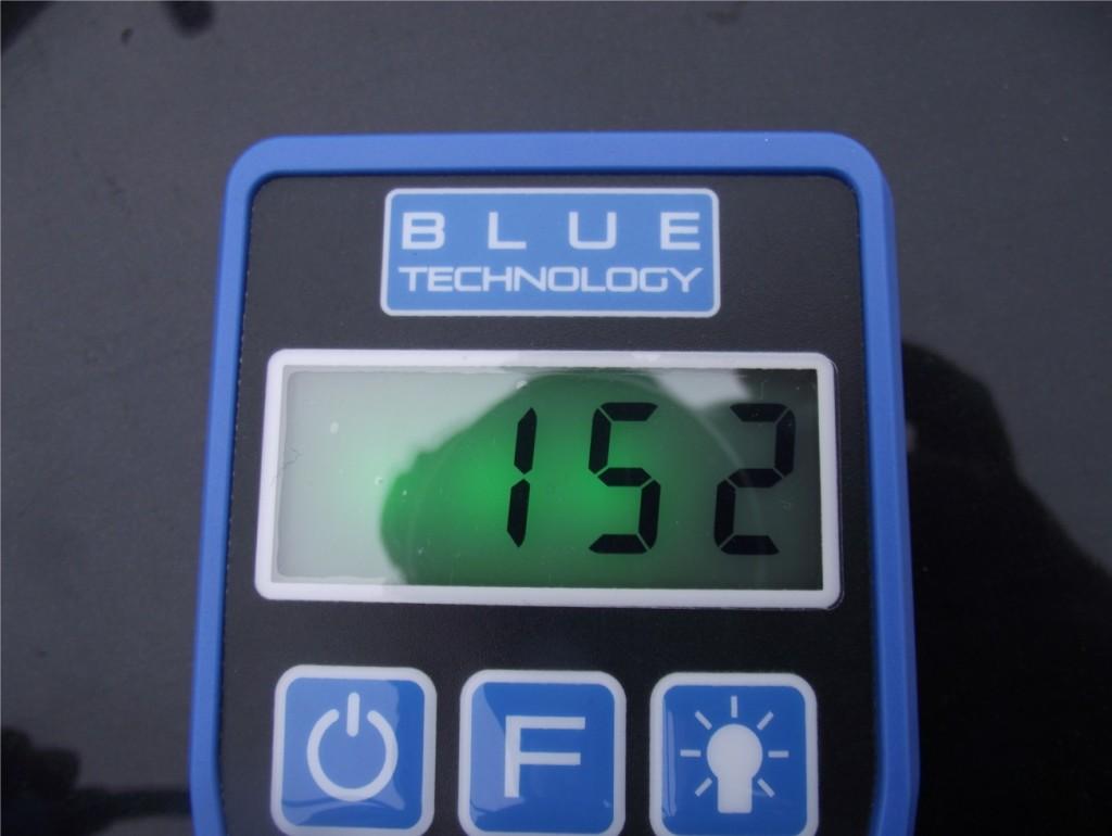 Miernik grubości lakieru - pomiar grubosci lakieru przy pomocy miernika Blue Technology